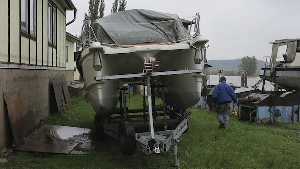 MC 30 Gebrauchtboot auf Trailer